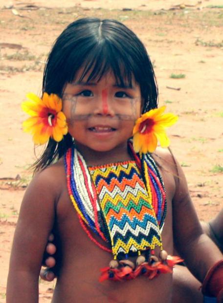 Brezilya'nın Fontuara köyünden bir kız çocuğu