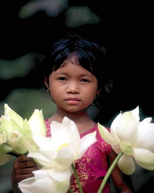 Kamboçya- Çiçekci kız