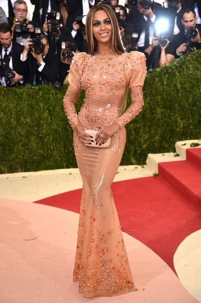 Beyonce'un 2016 Met Gala kıyafeti fazla iç gıcıklayıcı değil mi